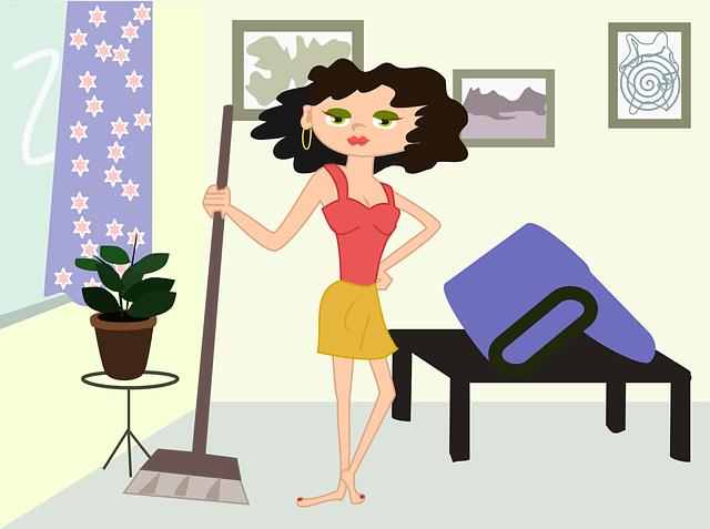 Nainen siivoa kotoa